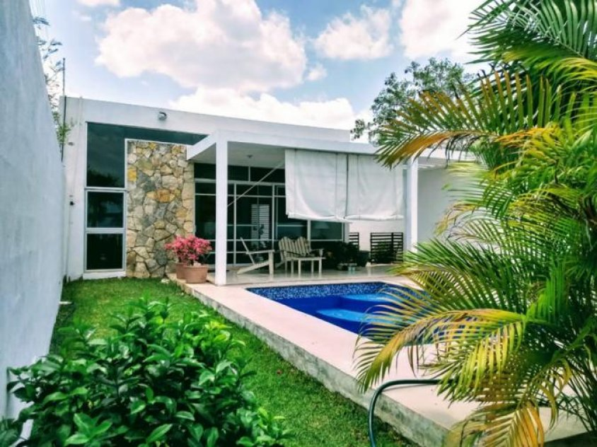 Beautiful house with countryside surroundings, ready to live with all the comforts and freshness at Xcanatun Yucatan, México