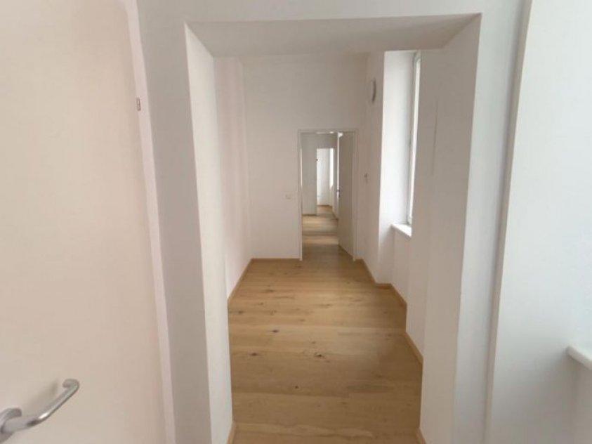 Nette 3-Zimmer Altbauwohnung mit getrennter Küche! in Augartennähe