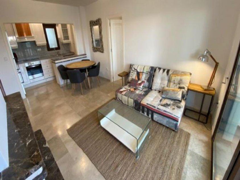 Apartment Erstbezug komplett möbliert mit Tiefgarage und Gemeinschaftspool